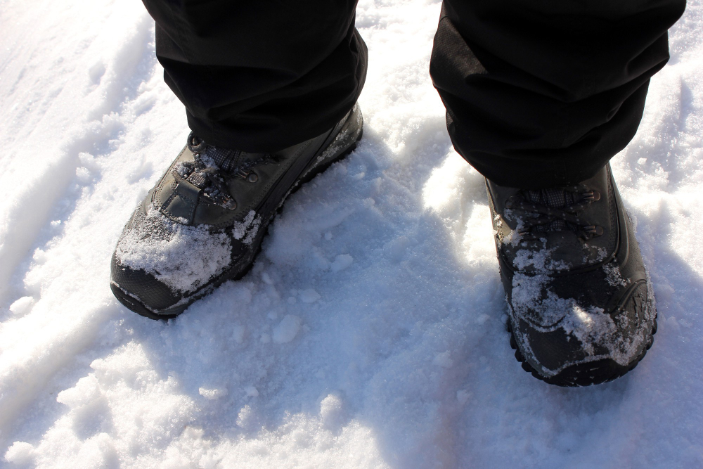 Best Insulated Work Boots for Men for Winter and Cold Weather