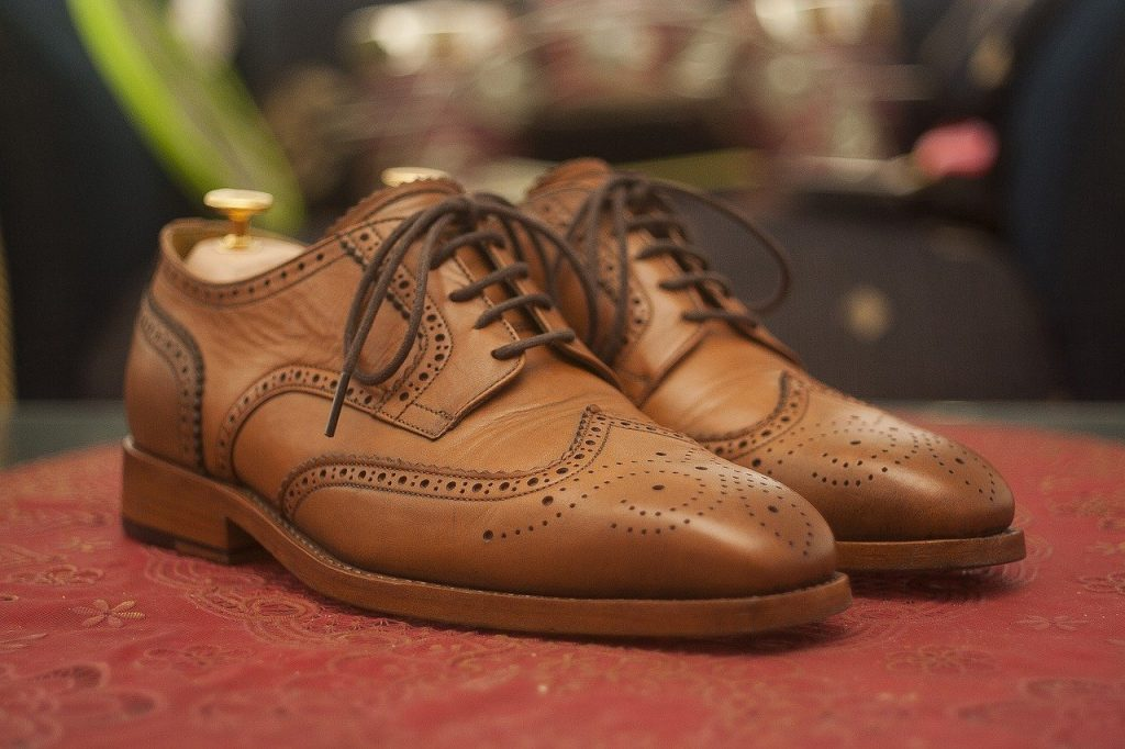 How to Remove Creases Out of Leather Shoes and Boots